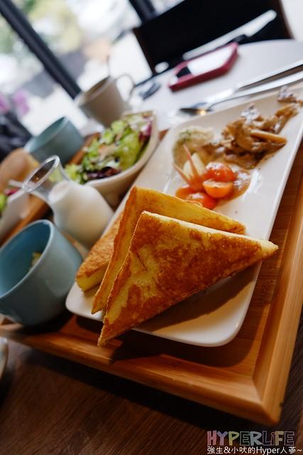 「臺中南屯」輕食新選擇之推薦早午餐 – 白貓散步Gatto Bianco – 強生與小吠的Hyper人蔘~