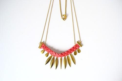 collier-collier-dore-et-suedine-corail-tr-5596019-dsc-0265-c0191-ea08c_570x0