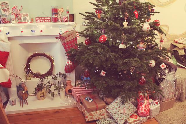 Christmas tree and presents