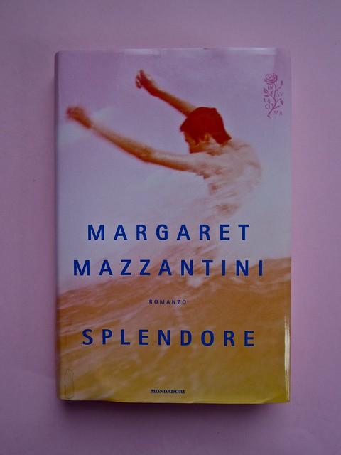 Margaret Mazzantini, Splendore. Mondadori 2013. Art Director: Giacomo Callo; Progetto Grafico: Marcello Dolcini; Graphic Designer: Susanna Tosatti; alla sovracop: ©R. McGinley. Prima di sovracop. (part.), 1