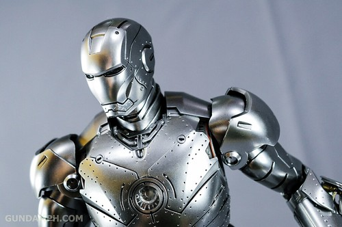 Hot Toys Iron Man 2 - Mk II Armor Unleashed Ver. Review MMS150 Unboxing (74)