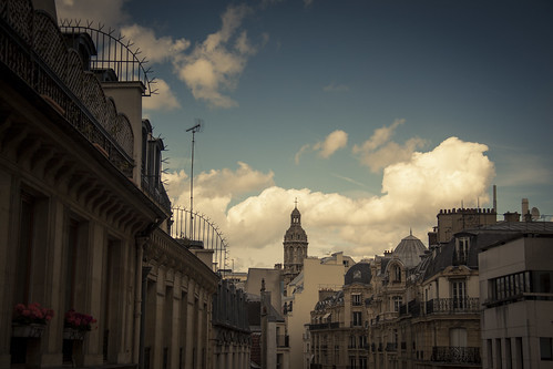 Roofs in the clouds (Paris) - Photo : Gilderic