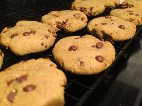 Cake crumb cookies