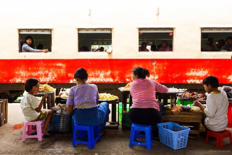 2013-05-13 Hsipaw>Mandalay - DSC01612-FullWM