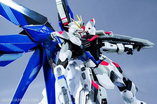 Metal Build Freedom Gundam Prism Coating Ver. Review Tamashii Nation 2012 (62)
