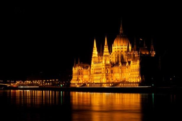 Здание венгерского парламента, Будапешт, Венгия, Ночная съемка
