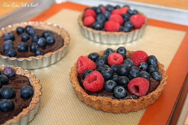 chocolate berry tarts 2