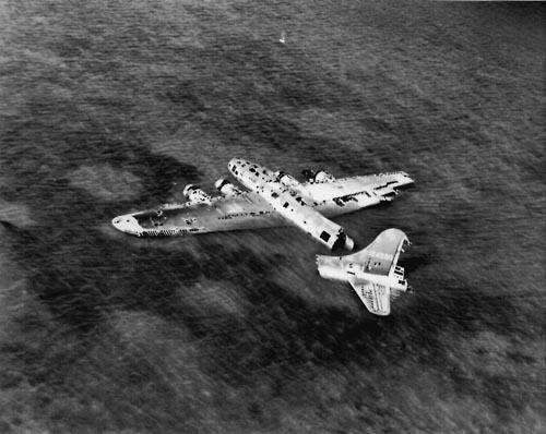 43BG B-17 Bootless Bay