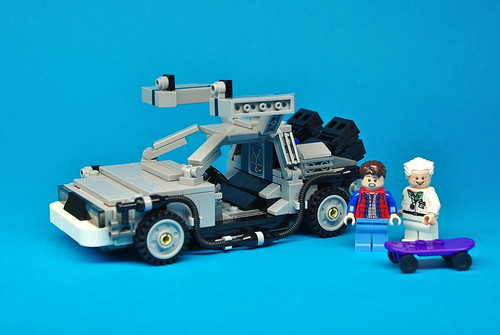 LEGO Back to the Future DeLorean (3)