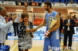 Liliana Pentassuglia Manuel Vannuzzo premiazione Dinamo Sassari seconda classificata III Memorial Pentassuglia