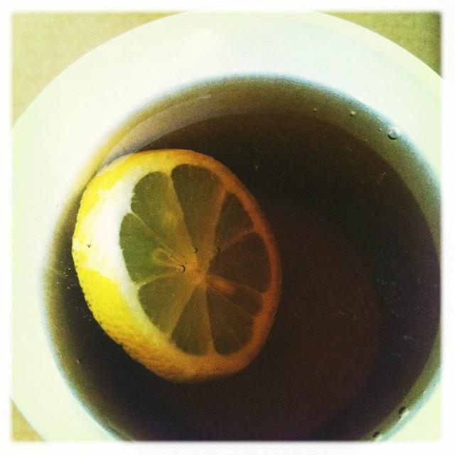 fresh lemonin my tea