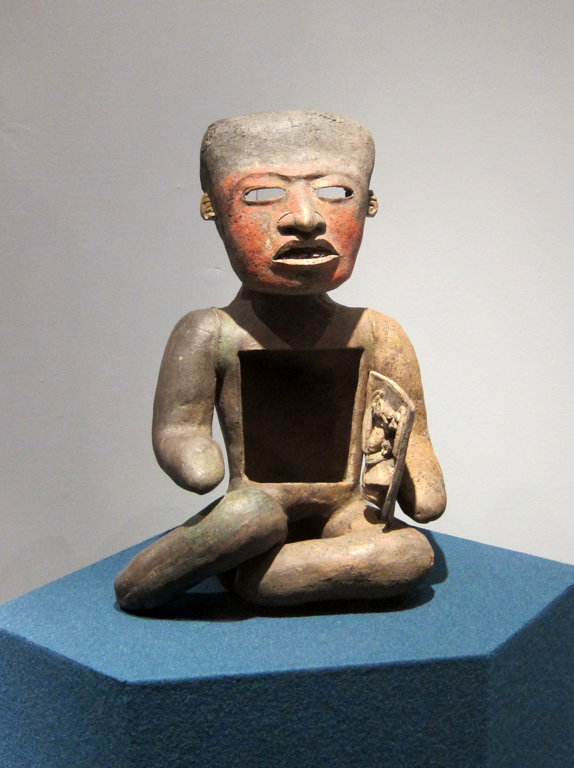 Pottery statue