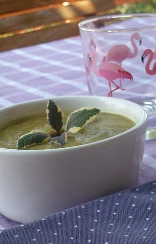 Cold zucchini soup with sage - Crema fredda di zucchine e salvia