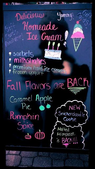 Vanilla Bean Creamery sign
