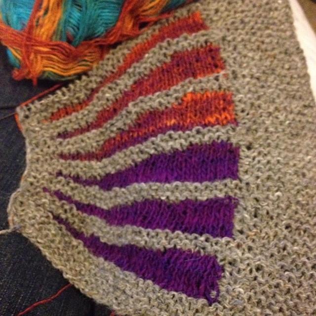 A new project !!! #lavoroamaglia #fattoamano #instaknit #noro #sockyarn #stephenwest #gringnasco #shawl #serialknitter #knit #knitting #ravelry #cheaphappiness