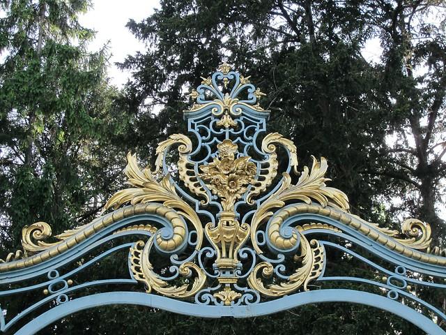 Grille dentre Jardin de Bagatelle Bois de Boulogne Paris  Flickr  Photo Sharing