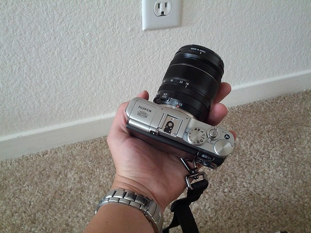 X-M1 mirrorless camera fits in my hand