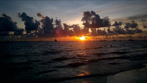 Puesta de sol en la playa de Boracay