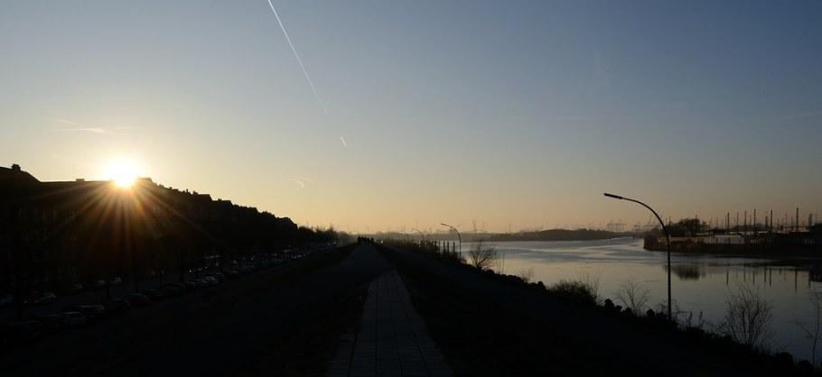 Zonsondergang Veddeler Deich, foto door meeandr | Standort Hamburg