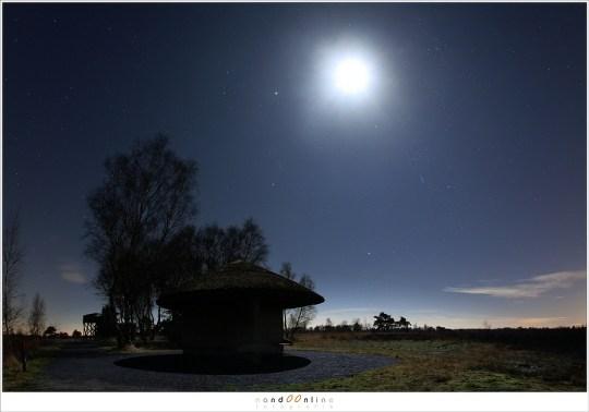 De volle maan in het landschap (f/8, ISO1600, 30sec)