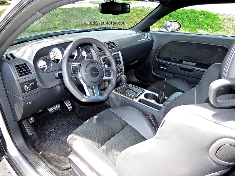 Dodge Challenger SRT 392 Interior