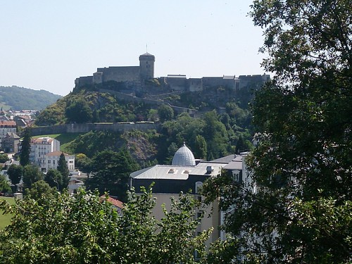 Día 4: Francia (Lourdes: Santuario con Basílicas del Rosario e Inmaculada Concepción, Cripta, Vía Crucis, Gruta Revelaciones, etc).
