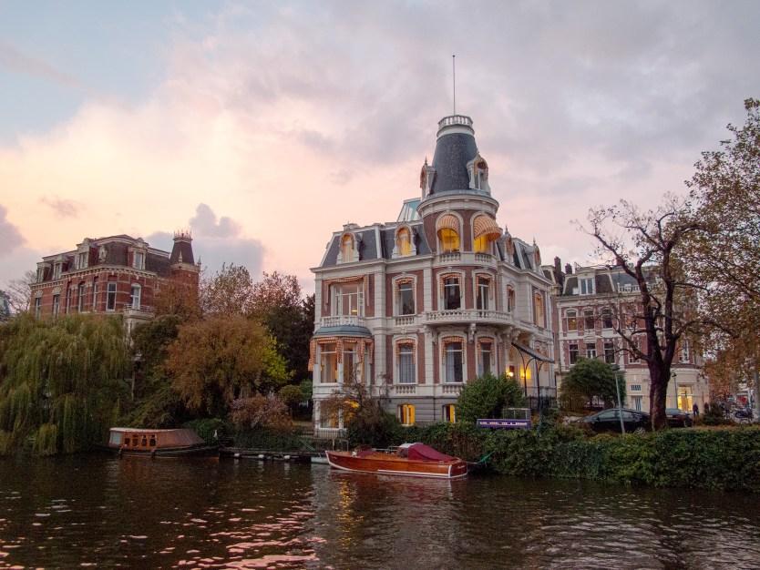 Singel canal, Amsterdam.
