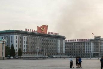Op dit gebouw, het ministerie van buitenlandse handel, prijkten vroeger de foto's van Karl Marx en Lenin.