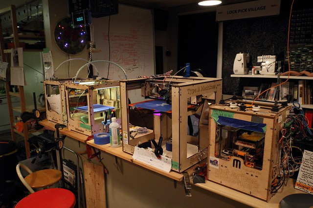 Hacklab.to 3D Printer army