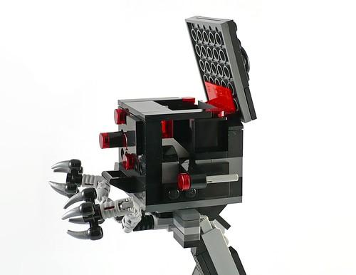 LEGO The Movie 70807 MetalBeard's Duel 11