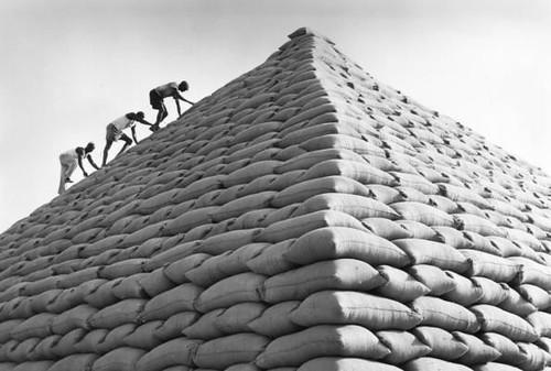 Groundnut Pyramids and Groundnut Soup  Pticheri