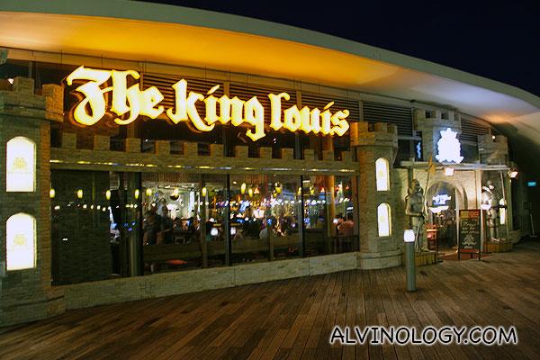 The King Louis Bar & Grill at Vivocity