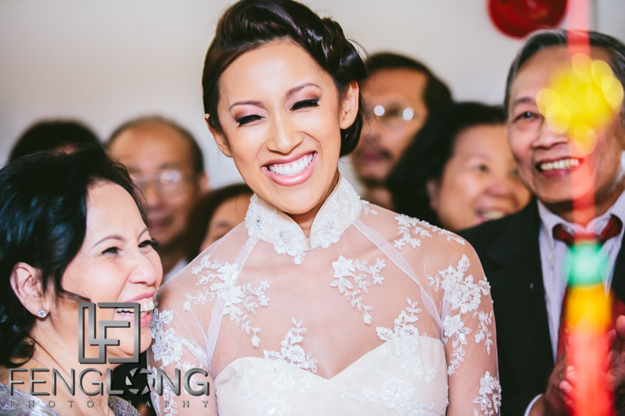 Vietnamese bride makes entrance during wedding day 1