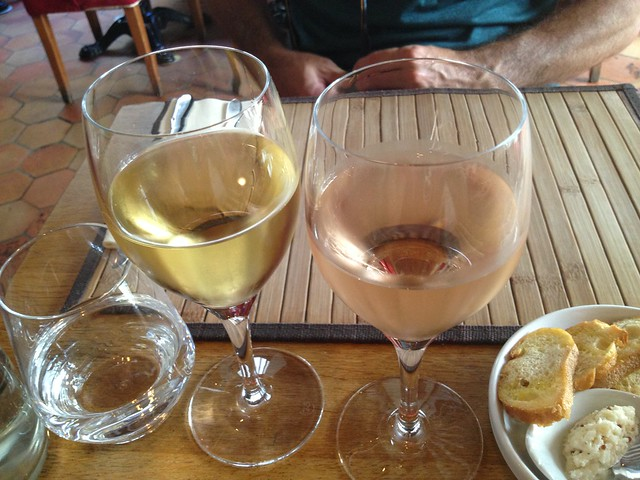 Chardonnay and rose - L'Epigramme