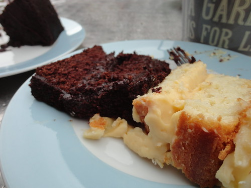 Bienenstich kuchen or Bee Sting cake and Parklife Blackout cake by South Downs MTB Skills