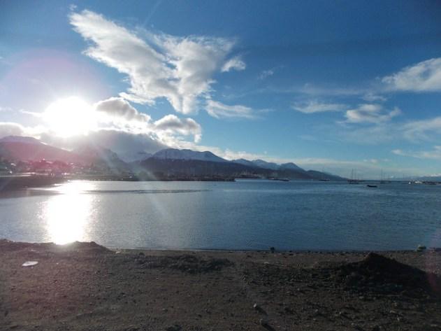 O dia amanheceu lindo, mas o vento estava muito forte e gelado.