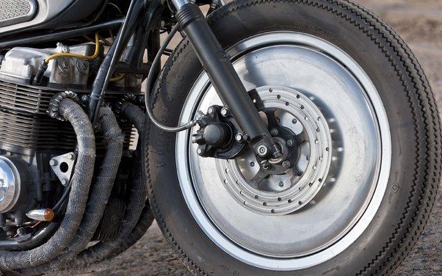 Marco Luk\'s Honda CB750   LNSPLT // BLVD