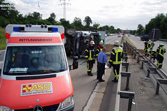 Lkw umgestürzt Schiersteiner Kreuz 20.08.13