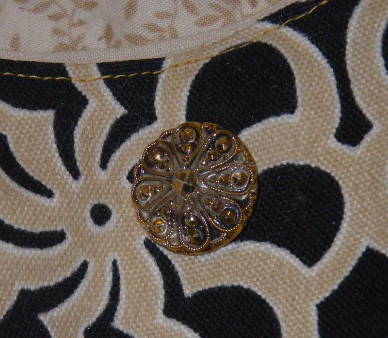 vintage button, 241 tote