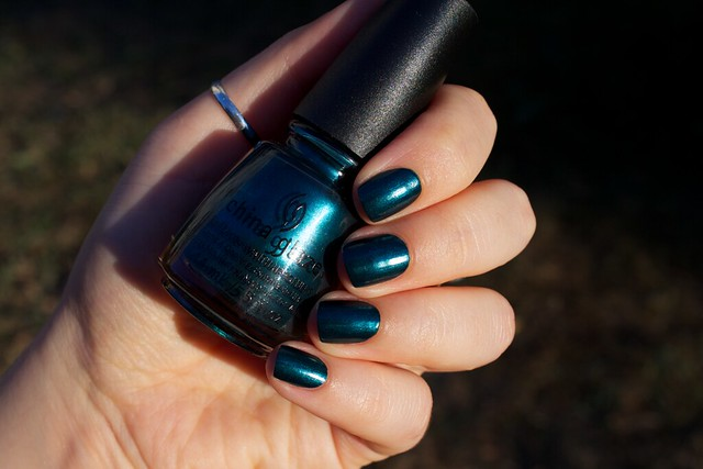 02 China Glaze Autumn Nights Tongue & Chic