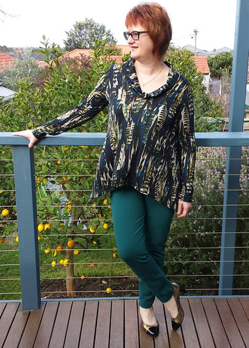 StyleARC Amy top with Elle pants in ponte