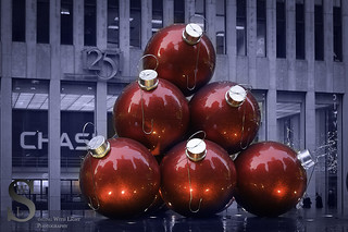 2013 Festive NY Large Red Ornaments
