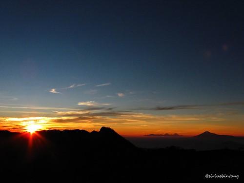 Sunrise @Ciremai