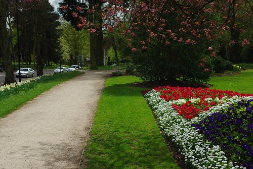 20130503-07_Top Green Path + Flowers - Kenilworth Road Coventry by gary.hadden
