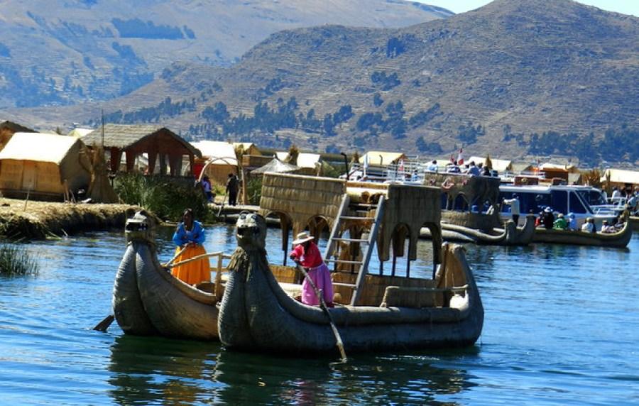 Lago Titicaca Islas de los Uros Peru 10