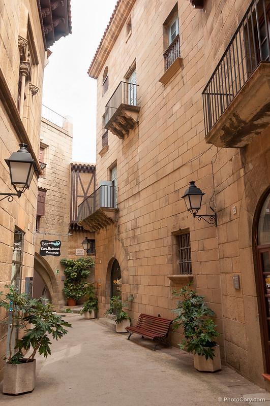 brick house, Poble Espanyol