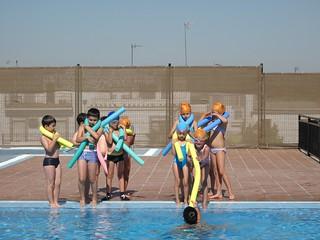 Cursos de natación para niños y niñas