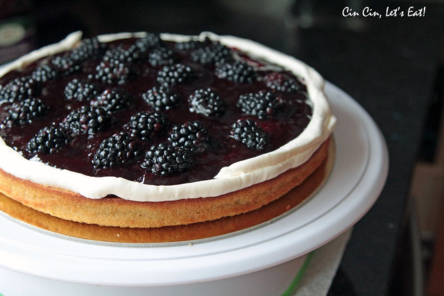 blackberry white chocolate cake 2
