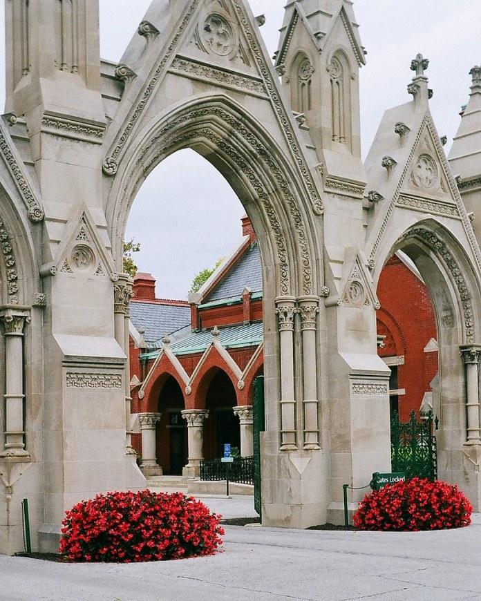 Crown Hill gate