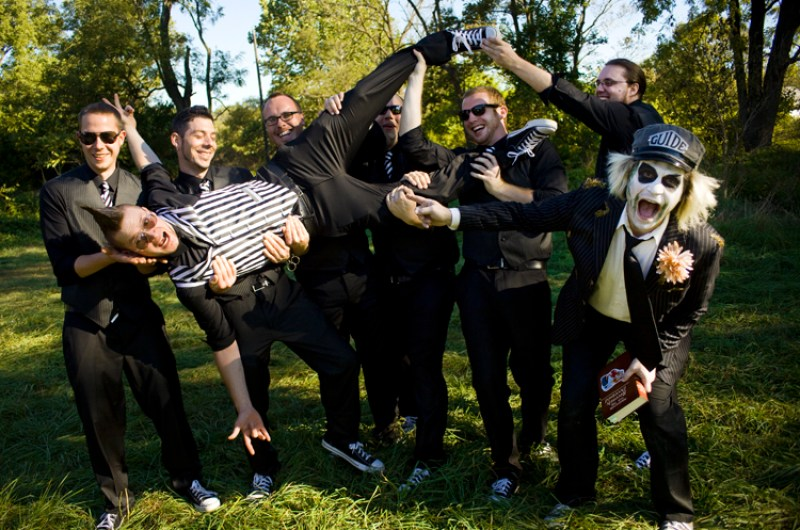 Tim Burton weddings: Halloween wedding ideas galore as seen on @offbeatbride